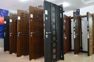 Как правильно выбрать железную входную дверь в квартиру