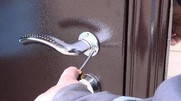 Регулирование металлической входной двери