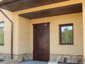 Какая дверь лучше для дома